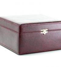 Упаковка из заменителя кожи бордового цвета - Заказывайте на сайте